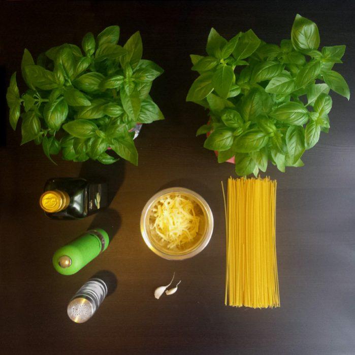 Klasyczne pesto z makaronem